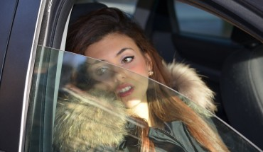 Esposizione al sole, raggi UV dai finestrini auto sono pericolosi per la salute
