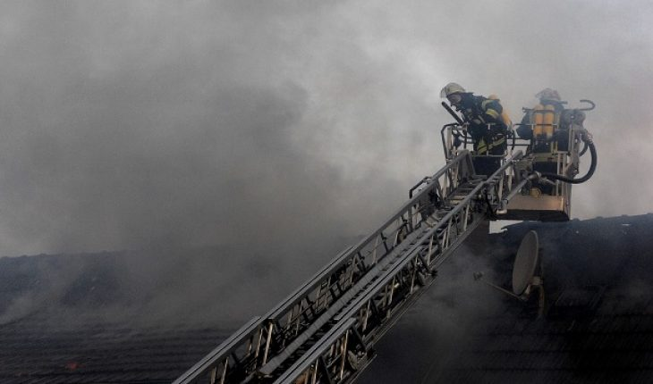 Incendio nel milanese, un morto e due intossicati