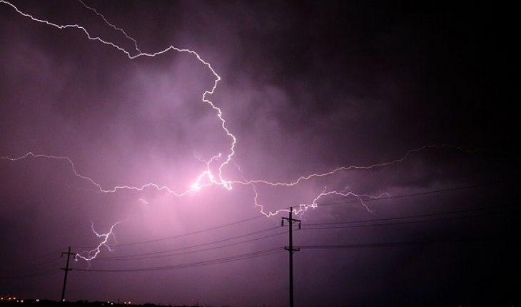 Lecce, 40enne muore in campagna colpito da un fulmine, stava aprendo un cancello