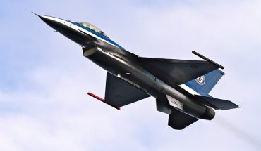 Caccia Nato F-16 incollato ad aereo russo nel Baltico, a bordo il ministro della Difesa