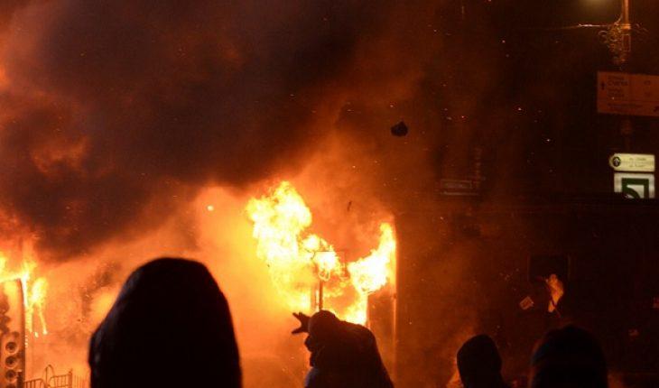 Molotov in ristorante Parigi, quattro feriti